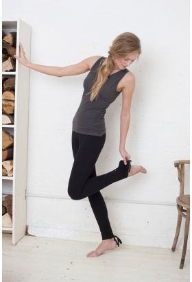 ORGANIC COTTON ANKLE TIE LEGGINGS BLACK. Great for all leg lengths. Yoga and Pilates clothes from Asquith UK.
