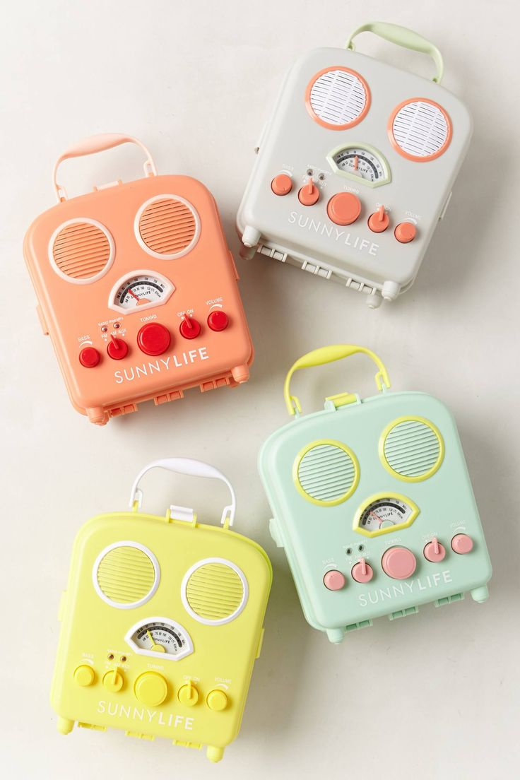 Beach Radios in sunny shades: Beaches Love, Life Beaches, Color, Books Gifts, Retro Radios, Anthropologie Com, Beaches Radios, Beaches Baby, Sunny Life