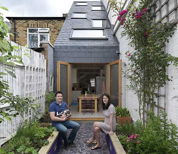 A 90-inch narrow house