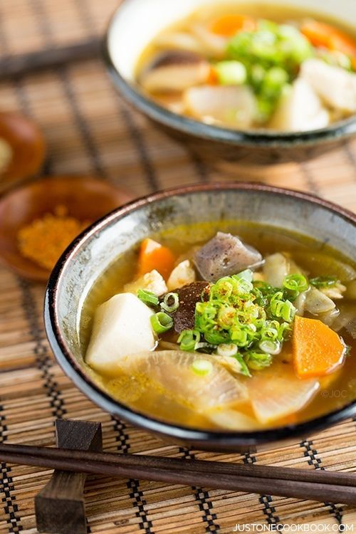 """Japanese Vegetable Soup (Kenchinjiru) 