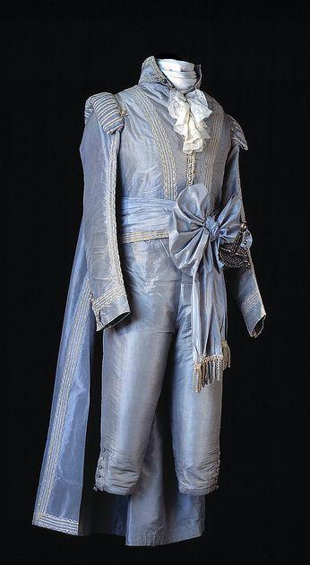 thenewmanhattanite:  Swedish court gala dress, 1790s.