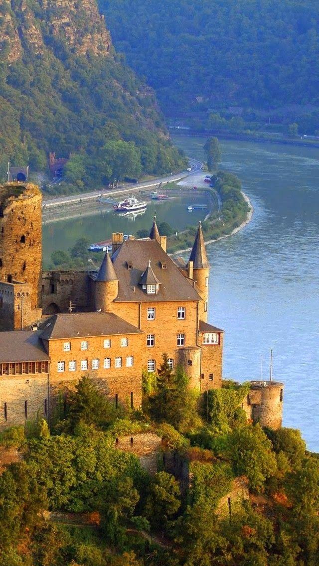 Castillo de Schonburg Río Rin, Alemania