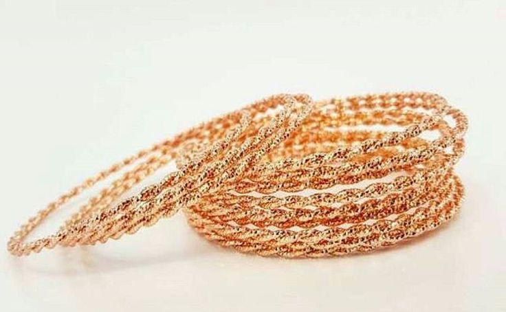 IDR 105,000 ( 3 pcs )  IDR 182.500 ( 12 pcs)  Color : rose gold  Size : 2.8mm × 58,60,62,65mm  Material : Alloy copper ( Rhodium) with gold plated 24k ��Jewelry�� @kimberly_jewelry_indonesia Real picture & Ready stock ya dear �� Siap kirim ✈ ga pakai PO �� �� Premium high quality jewelry��  Like diamond �� Gold Plated 24 karat with cystal swarovski italy ���� mewah banget �� �� permatanya bling bling berkilau menyala semi berlian ���� Awet tahan lama dan tidak luntur, aman untuk kulit…