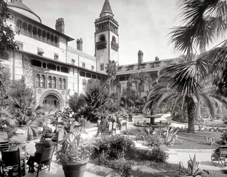 """Shorpy Historical Photo Archive :: St. Augustine, Florida, circa 1905. """"Court of the Ponce de Leon Hotel."""" 8x10 inch dry plate glass negative, Detroit Publishing Company."""