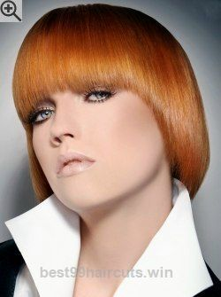 Marvelous Soft razor cut bob with the fringe smoothly connected to the sides. Rich copper blonde hair color.  The post  Soft razor cut bob with the fringe smoothly connected to the side ..