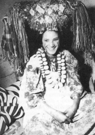 """Africa   A Aït Hadiddou bride. ca. 1930s/40s   From a series of images published by the 'Tiwizi Association Berbero Suisse' that have been scanned from either J.Robichez (1946), """"Central Morocco,"""" Editions B. Arthaud, Grenoble-Paris OR from the publication G. Camp (2002), """"The Berbers. Memory and Identity,"""" Wandering Editions, Paris"""