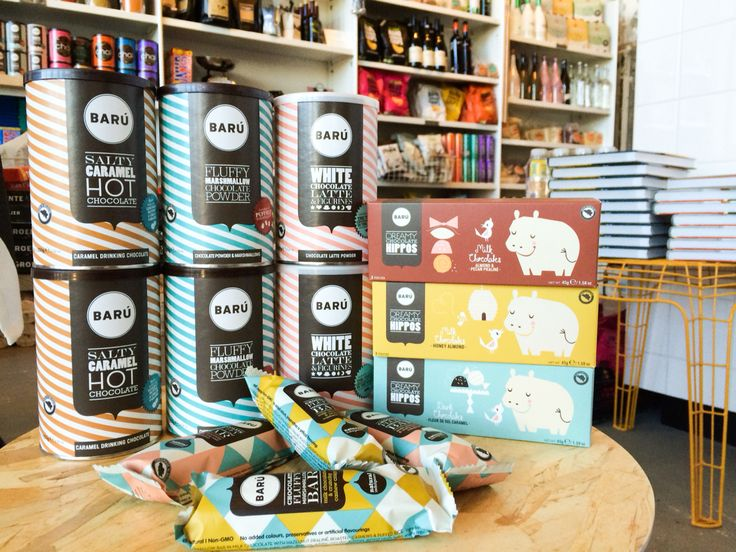 Wij zijn verslaafd!!! Nieuw Onder de Leidingstraat... BARU Fluffy marshmallow bars met een laagje chocola, hippo chocolaatjes met zeezout & caramel, amandelen of pecan praliné èn hot chocolate in de smaken salty caramel, fluffy marshmallow of white chocolate latte... Mmm... laat die herfst maar komen! #guiltypleasure #chocolateaddiction #newinstore #baruchocolate #strijps