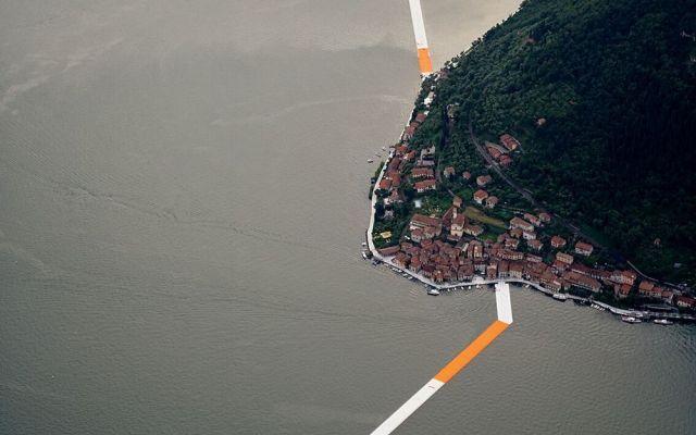"""Apre """"the floating piers"""" l'installazione che permetterà di camminare sull'acqua del Lago d'Iseo firmata Christo #arte #installazione #scultura #colore"""
