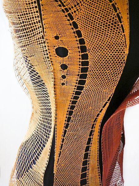 cvičná práce 2K   2008   Kolektiv   Korzet - detail - paličkovaná krajka