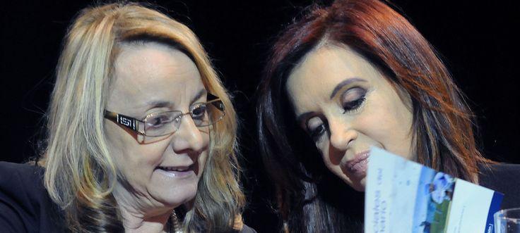 """DESMANEJOS Denunciaron a Alicia Kirchner por sacarle $574 millones a un plan contra el hambre  Fuerte denuncia contra Alicia Kirchner, ministra de Desarrollo Social y precandidata a gobernadora de la provincia de Santa Cruz por desmanejos presupuestarios. Según la presentación del candidato a diputado por la CC-ARI Hernán Reyes la funcionaria le quitó unos $574 millones al plan alimentario """"El hambre más urgente"""". La denuncia recayó en el juzgado de Daniel Rafecas, quien rechazó la denuncia…"""