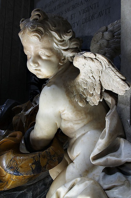 A Cherub Beautifully lit by a Fabulous Sunbeam. Makes it Look Suitable Celestial. St Peter's Basilica, the Vatican.Angels Art, Angels Cherub, Angels Statues, Italian Art, Cherub Angels, Peter Basilica, Angels Watches, Baby Angels, Weeping Angels