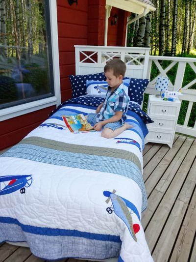 Little aviator-boys's quilt * Pieni lentäjä-poikien päiväpeitto