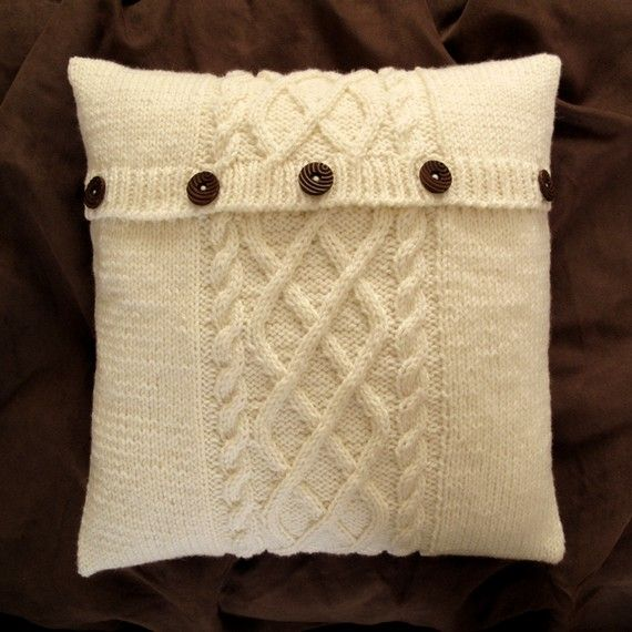 Hermoso almohadón tejido // Found on etsy.com //Sweater pillow!