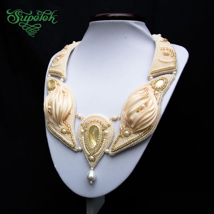 Kolia Skrzydła. Haft koralikowy z jedwabiem shibori, masą perłową i naturalnymi perłami. Necklace Wings -  bead embroidery, shibori silk ribbon and pearls