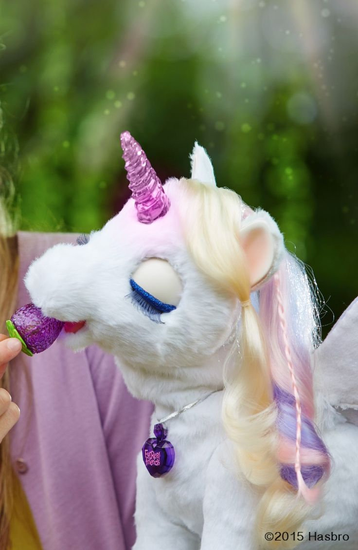 StarLily My Magcial Unicorn loves her sugarberry treat