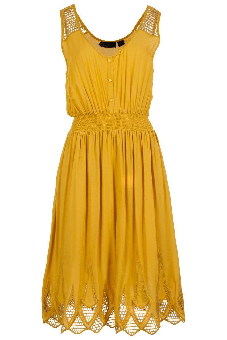 Such a pretty dress! I especially like the hem!