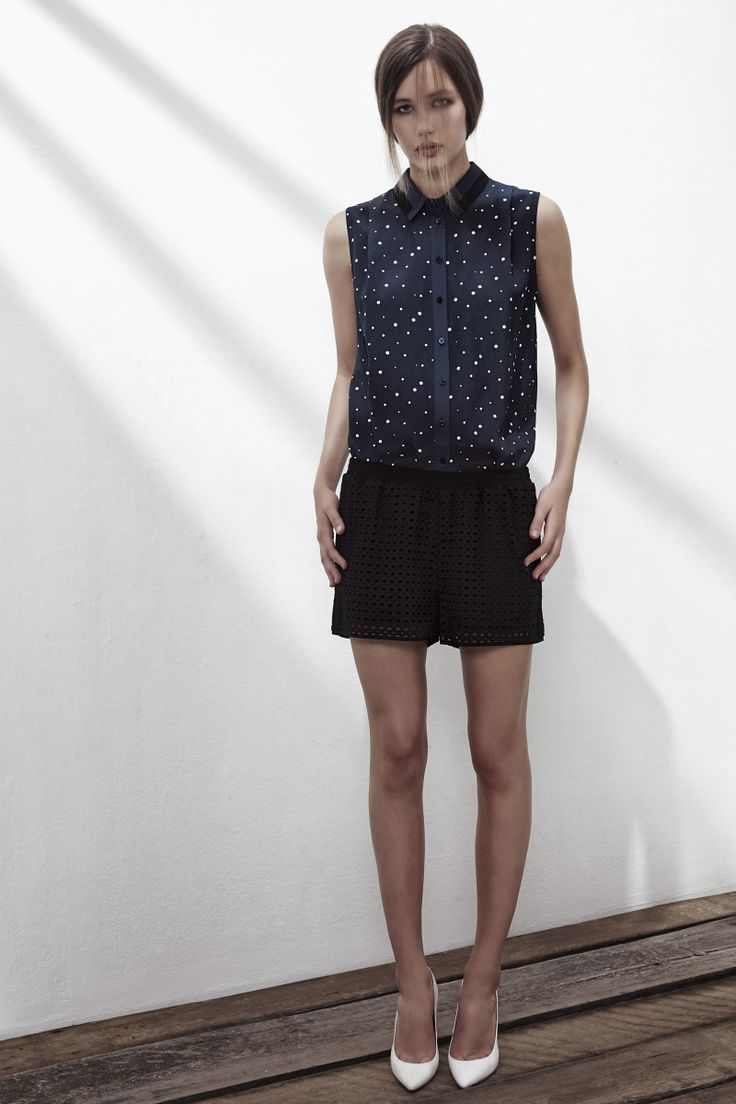 GET FREE SILK SLEEVELESS SHIRT IN BLUE DOTS AND ANTHRACITE BLACK PIPING, SHE WILL COTTON SHORTS IN ANTHRACITE BLACK. www.fallwinterspringsummer.com