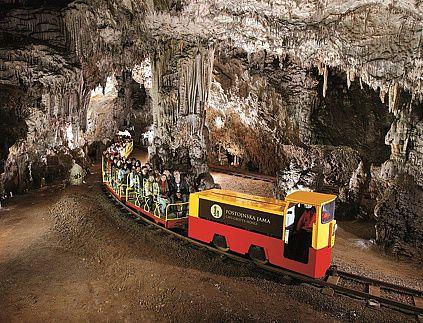 Grotte di Postumia