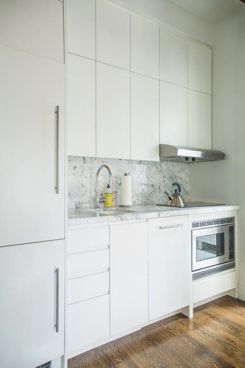 Smart Built In Storage Solutions Make This 400 Square Foot Nyc