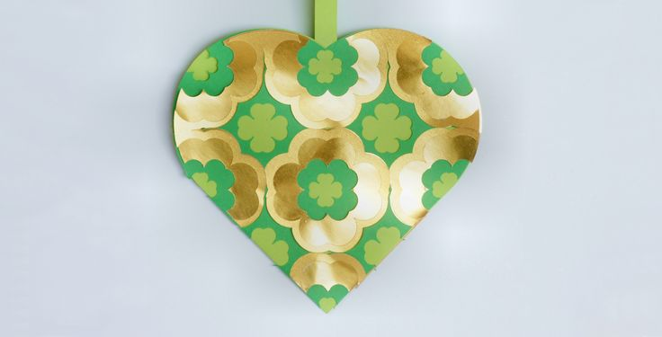 FREE Saint Patrick's Day Woven Scandinavian basket--decoration or favour. Free download and tutorial