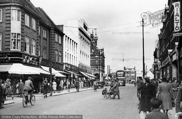 Church Street, Enfield, 1945. Enfield Town used to be a small market town in the county of Middlesex on the edge of the forest about a day's travel north of London. As London grew, Enfield Town and its surrounds eventually became a residential suburb, with fast transport links into central #London. #photography #history #enfield