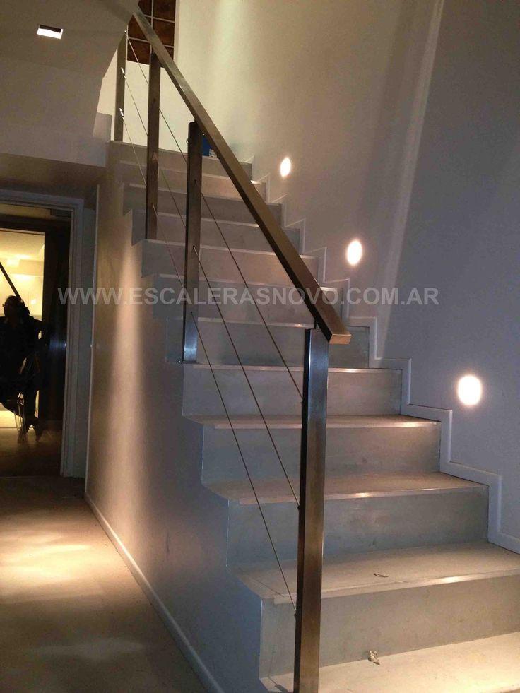 17 mejores ideas sobre barandales de acero inoxidable en for Barandas de madera para escaleras interiores