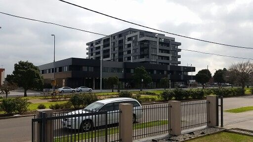 Photo taken on 31.8.2014 Hampshire rd. Sunshine new Apartments not yet occupied looking from I-rad medical center west.