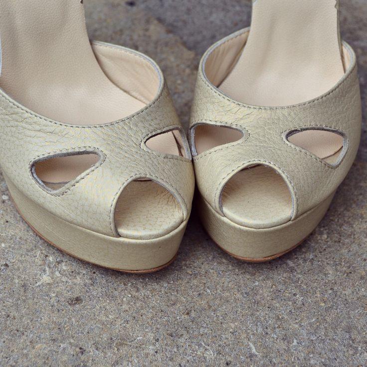 #rosettishowroom #the5thelementshoes #springsummer #sandals #highheels #bridal