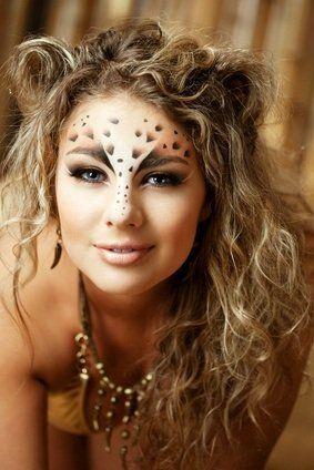 Halloween leopard face makeup                                                                                                                                                                                 Mehr