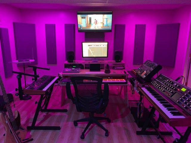 11 Awe Inspiring Home Studio Ideas For Small Apartments Home Studio Music Recording Studio Home Studio Setup