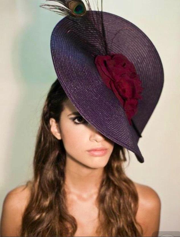 Couture Hat / Headpiece/ Fascinator/ Tocado. €62,00, via Etsy.