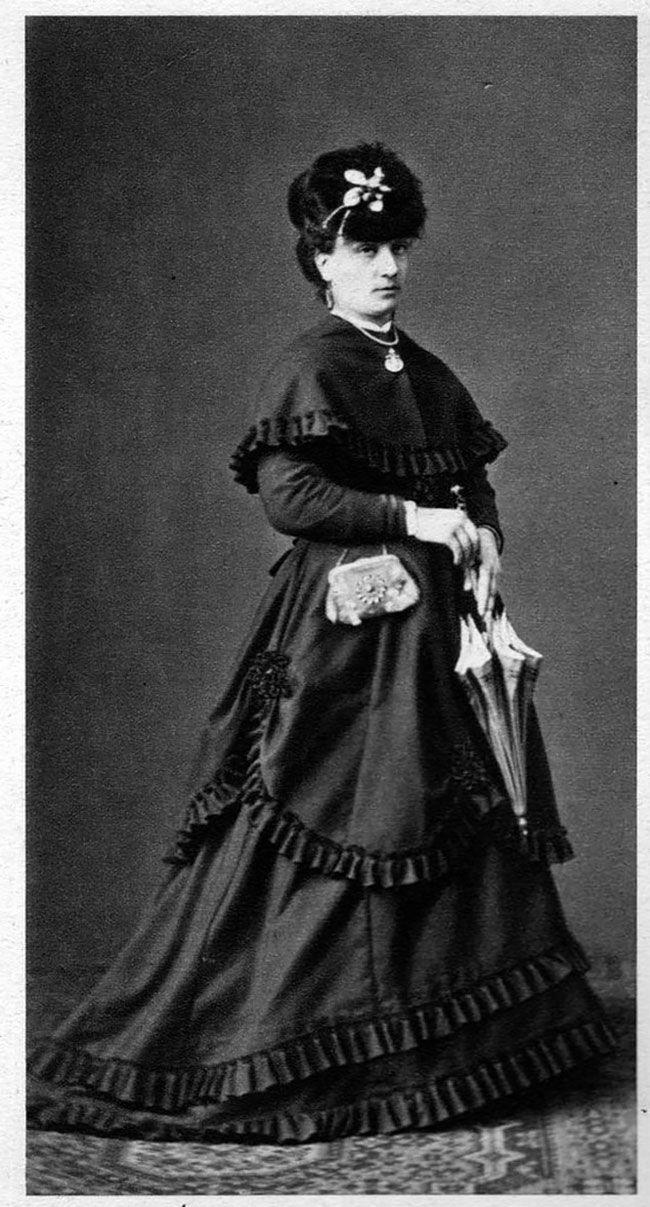 мода викторианской эпохи фото меня красную