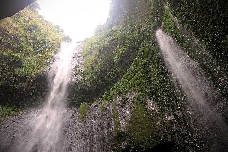 While the waterfall's sheer height is by itself already a wonder, the ambience around the area is truly something that needs to be experienced first-hand to be believed.