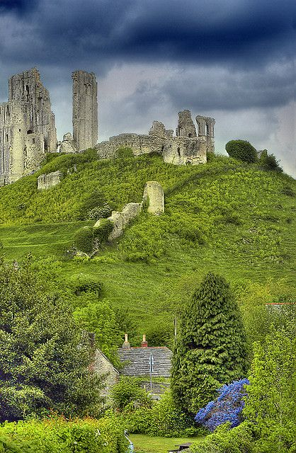 The age old ruins (1000 yrs) of Corfe Castle near Dorset, England