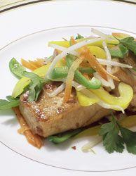 豆腐マリネサラダ。茶色になるまでマリネした豆腐です。