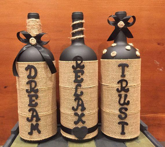 Botellas de vino personalizados por LuRoCrafts en Etsy