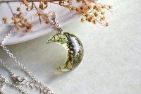 Изысканные цветочные кулоны-полумесяцы