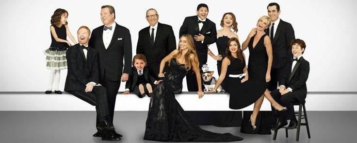 """Modern Family: una boda un funeral y un escándalo en la promo de la octava temporada  """"La nueva entrega de la exitosa sitcom se estrena en ABC el próximo 21 de septiembre. """" La octava temporada de Modern Family se est..."""