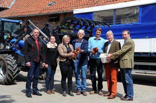 Der Schulbauernhof bei Hardegsen erhielt Sachgeschenke aus der Wirtschaft.