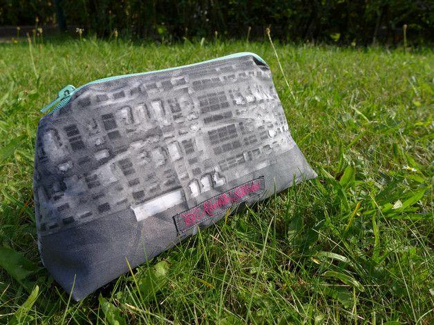 Schminktäschchen - grauer Krimskrams Beutel mit Reißverschluss - ein Designerstück von Tinschae bei DaWanda