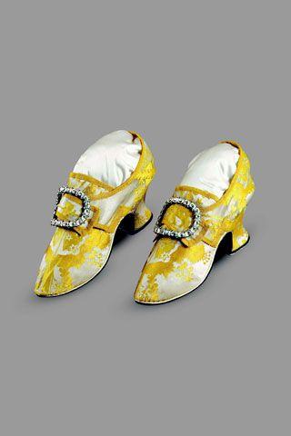 Women's Shoes of Figured Silk Satin 1740-50s