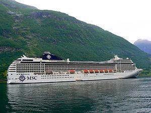 MSC Orchestra. Ιδιοκτησία & Διαχείριση: MSC Cruises. Σε υπηρεσία από το 2007.  92.409GT ~ 293,83 μ.μ. ~ 32,31 μ.πλάτος ~ 17 κατ/τα ~ 23knots ~ 2.550~3.200 επ. ~ 987 α.πλ.