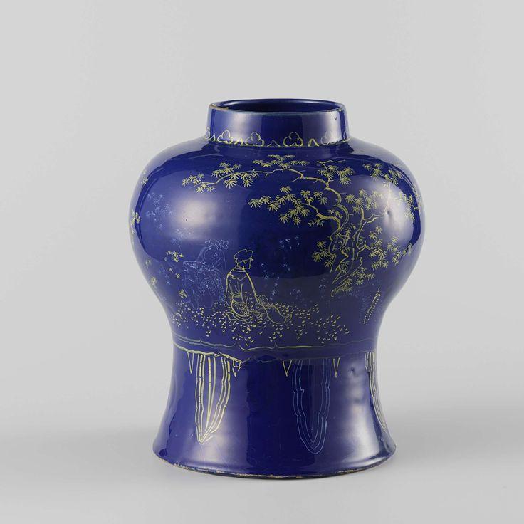 Anonymous | Pot van faience met blauw fond, Anonymous, 1700 - 1735 | Pot van faience. Veelkleurig beschilderd met chinese figuren en bomen op een blauw fond.