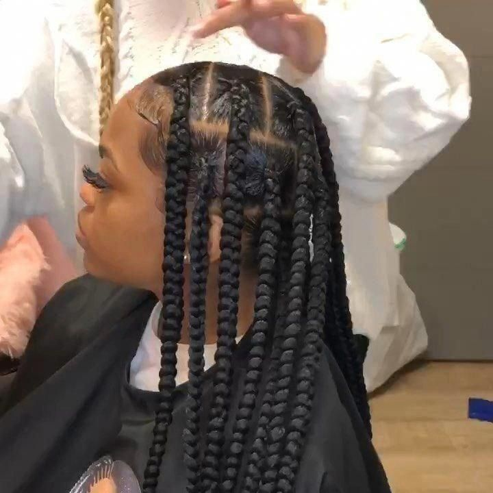 Alexistouch Indianapolis Dans Le Instagram Boite Sans Noeuds Jumbo Tresses Livres My Seront 10 Box Braids Styling Box Braids Hairstyles Hair Styles