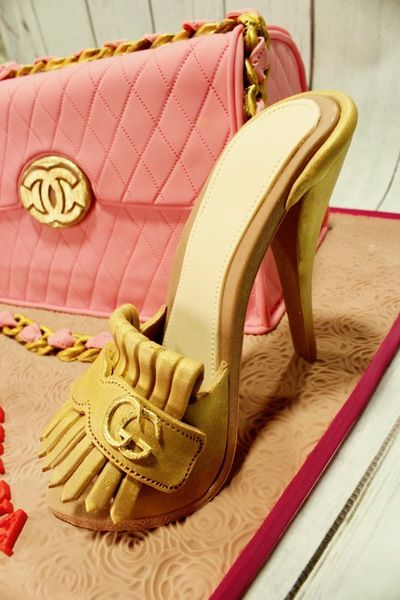 Tartas personalizadas madrid, Tartas decoradas madrid, tartas fondant madrid, thecakeproject, Reposteria Creativa, tartas infantiles, tartas cumpleaños, Tarta Zapato de fondant 3D, tarta Gucci