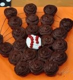 Cupcakes are the perfect snack for a movie party featuring a baseball film - A Southern Outdoor Cinema movie snack & food idea for backyard movie night.