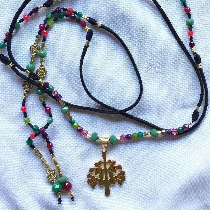 Collar de Gamuza con piedras naturales y colgante enchapado. http://www.facebook.com/crearteag