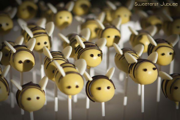 Sweetest Jubilee - Bee cake pops