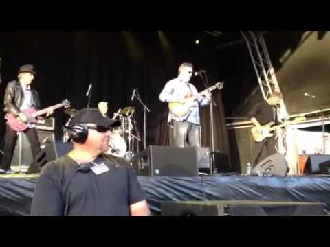 Sunnyboys : Tunnel Of Love + Happy Man 2013