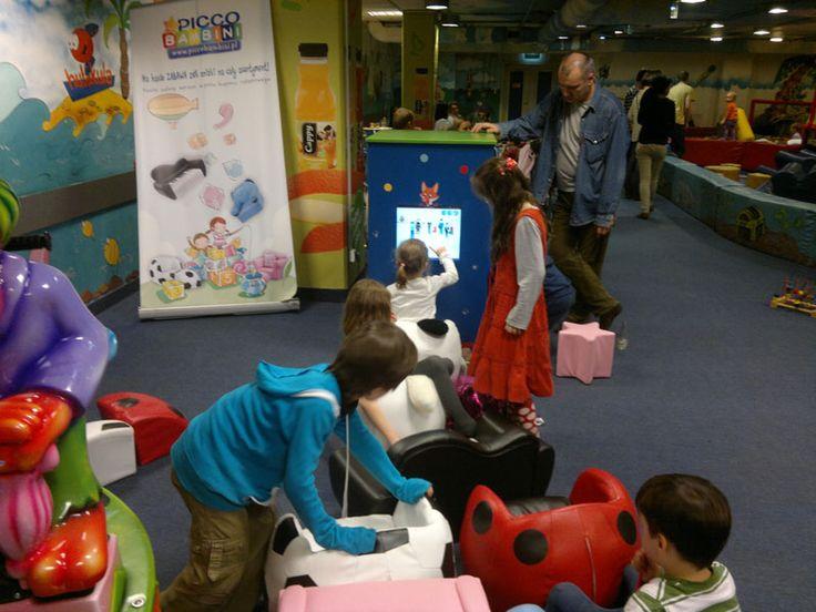 Foxbox - wieża 4-ścienna w sali zabaw dla dzieci